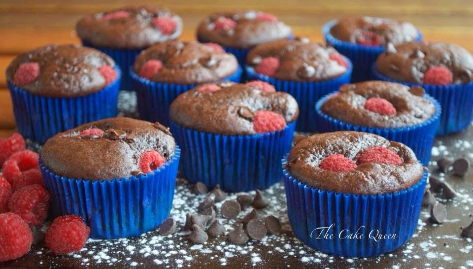 Muffins de frambuesas y chocolate, unos muffins muy suaves