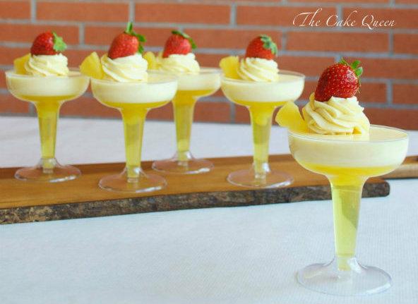 gelatina de piña y crema de coco