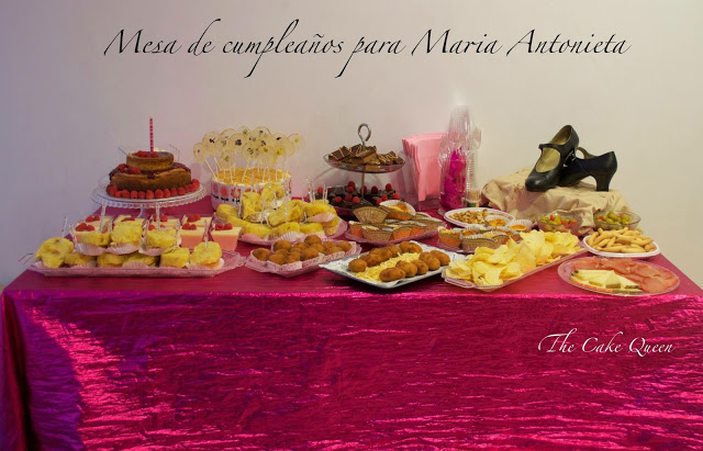 Mesa dulce y salada para María Antonieta y mi profe de flamenco