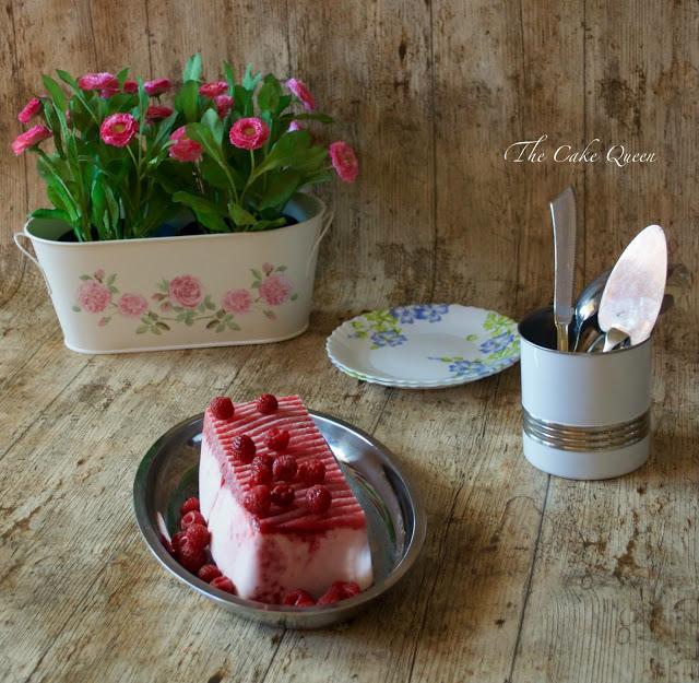 Semifreddo de Yogur de pie de frambuesas y nata