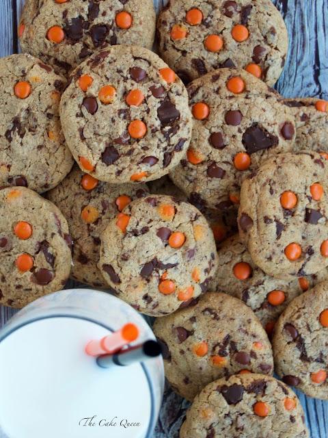Ideas para Halloween con mini lacasitos: Galletas de mini Lacasitos y chocolate de leche, no te pierdas la receta, estas galletas están para chuparse los dedos