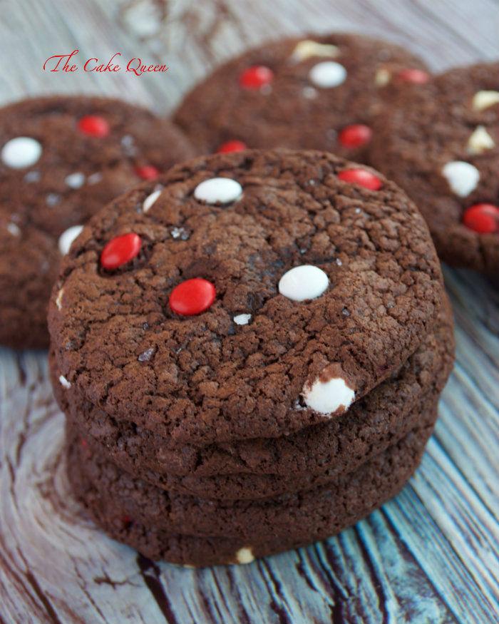 Galletas de chocolate sal marina y mini lacasitos, los mini lacasitos le dan un toque especial a estas galletas