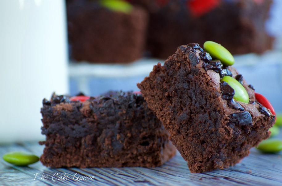 Brownie con lacasitos, deliciosos