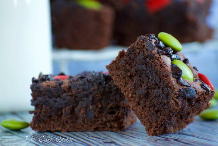 Brownie con lacasitos, un brownie extra jugoso no te pierdas la receta