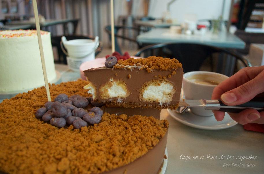 "Reunión clandestina de reposteros temática ""TARTAS SORPRESAS"": tarta de chocolate sorpresa de Olga"