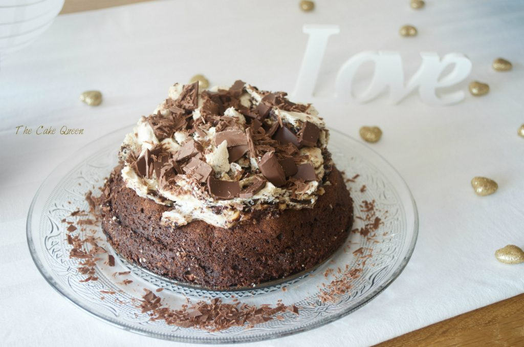Tarta de chocolate y merengue de avellanas y chocolate