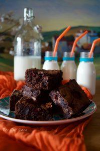 brownie con frambuesas