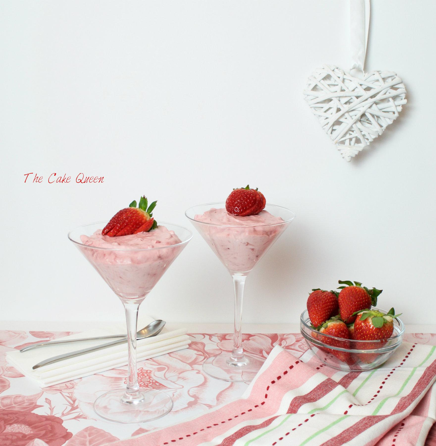 Crema de fresas y chantilly